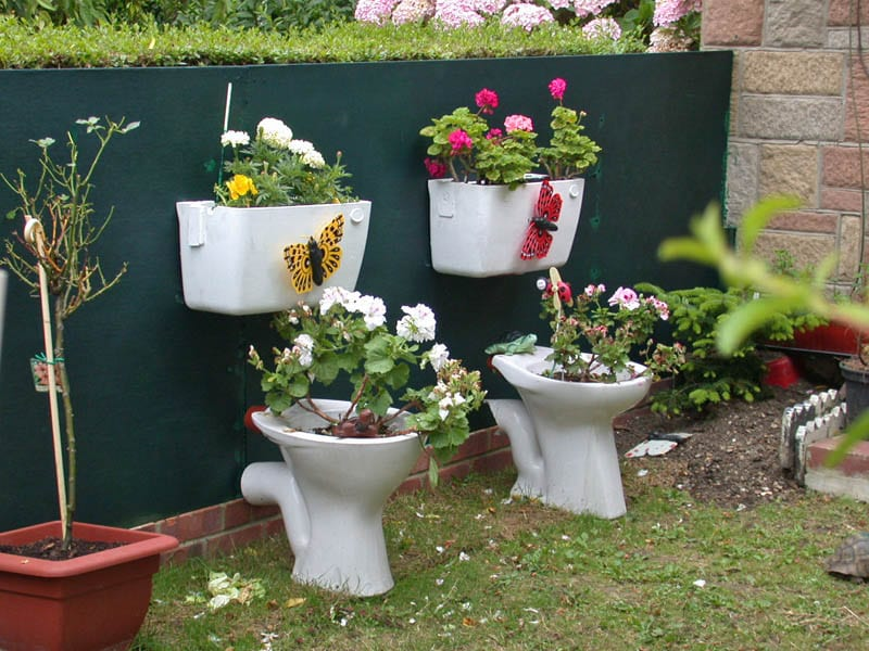 5 inventive & quirky upcycling ideas for your garden | A-Storage